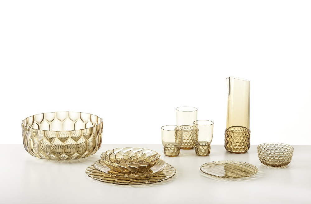 Những bộ bát đĩa và vật dụng nhà bếp đẹp mê hoặc với chất liệu thủy tinh hữu cơ