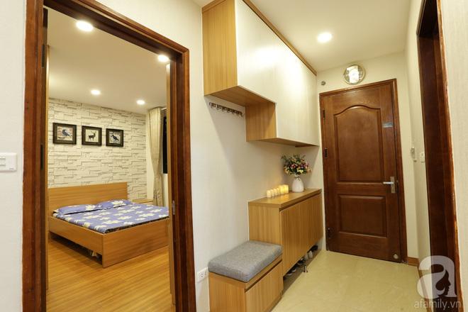 Căn hộ 100m² có những khoảng nhỏ thoáng mát của chủ nhà yêu màu vàng ở Hà Nội