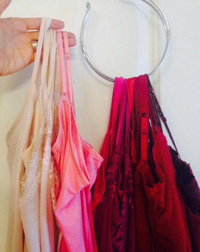 Học ngay 20 cách sắp xếp tủ quần áo nhìn đẹp như ở cửa hàng thời trang